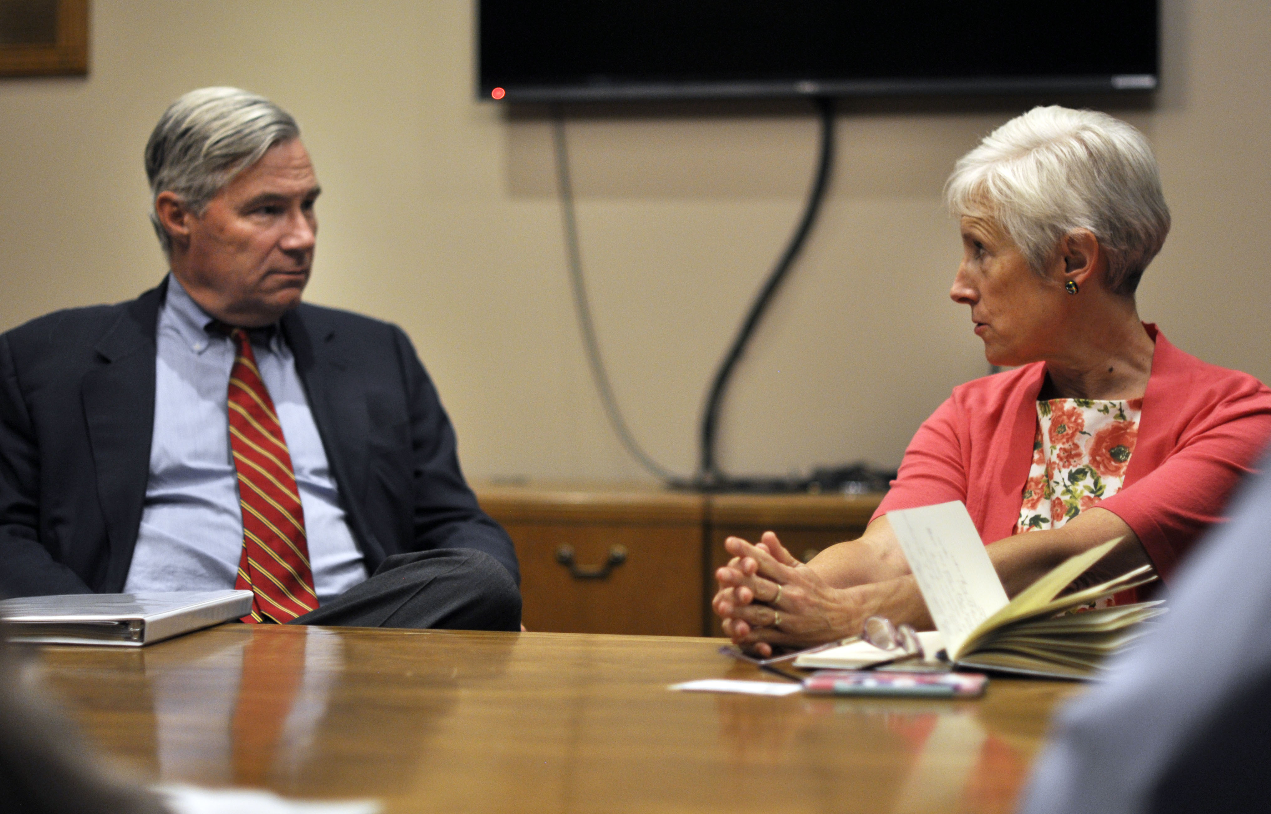 Sen. Whitehouse talks with Salt Lake City Sustainability Director Vicki Bennett